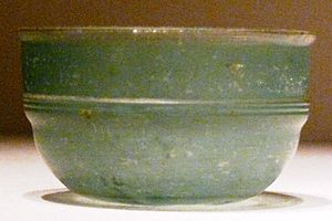 Daqin - Green Roman glass cup unearthed from an Eastern Han Dynasty (25–220 AD) tomb, Guangxi, China