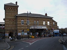 Herne Hill stn main building.JPG