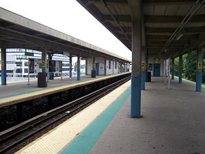 Hicksville Station.JPG