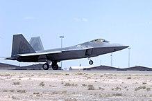 מטוסי הקרב ה-F22  הוא מטוס חמקן הכי טוב בעולם. למה לא מוכרים אותו לישראל? 220px-Holloman_AFB_F-22