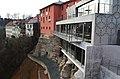 Hotel zasazený do skály - panoramio.jpg