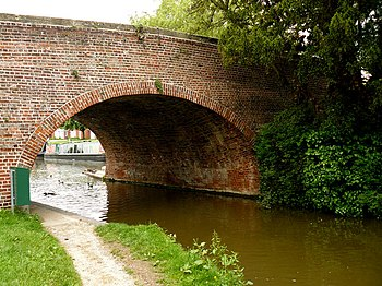 English: Hungerford - Kennet And Avon Canal Go...