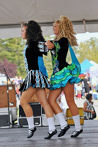 Irish dance - Shoes and costume
