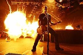 James Hetfield with Metallica -- 7 October 2004.jpg
