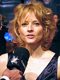 Photo o Jodie Foster attendin the premiere o The Brave One in 2007.