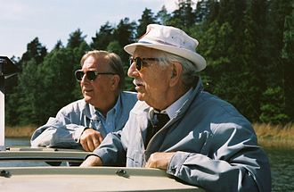 Johan Richter (inventor) - Johan Richter with son Ole on a boattrip in the Stockholm archipelago in 1989.