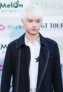 Jun - 2016 Gaon Chart K-pop Awards red carpet.jpg