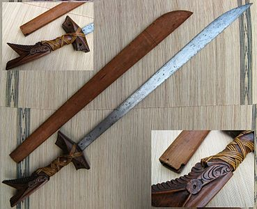 Kampilan moro sword with sheath.jpg