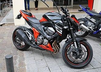Kawasaki Z800 - Image: Kawasaki Z800 Mérignac
