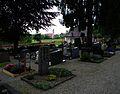 Kißlegg Friedhof und Pfarrkirche St Gallus Mai 2012.JPG