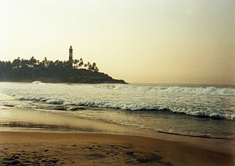 Geography of Kerala - The lighthouse and beach at Kovalam.