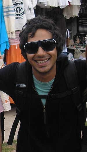 Kunal Nayyar - Nayyar on a tour with the rest of The Big Bang Theory cast in 2008