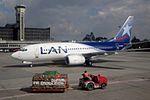 LAN Colombia (Aires Colombia) Boeing 737-73S EI-EEV (21432768943).jpg