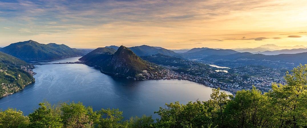 Lake Lugano Panorama.jpg