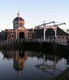Leiden's west gate, the Morspoort
