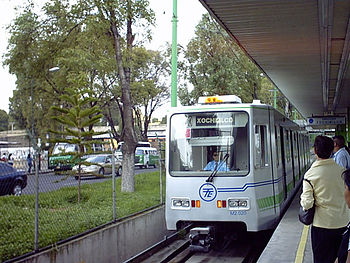 Light rail estadio azteca