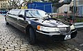 Lincoln Town Car Stretch limo (47828403802).jpg