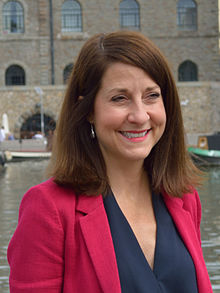 Liz Kendall, Bristol 2015, kroped.JPG