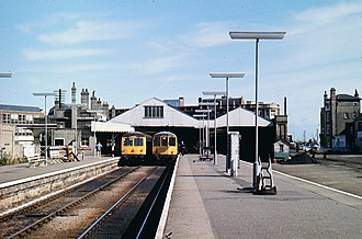 Lowestoft railway station - Lowestoft station in September 1977, before removal of the overall roof