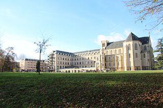 Lycée privé Sainte-Geneviève private school in Versailles
