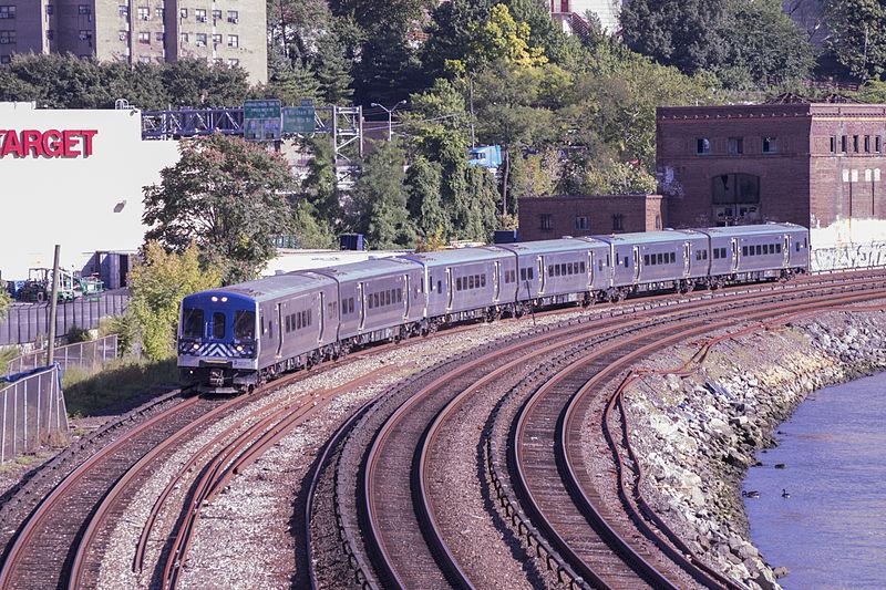 File:M7 on Hudson Line on August 29.jpg