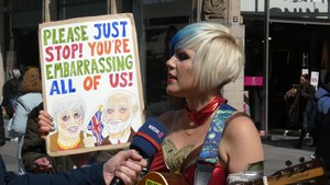 File:Madeleina Kay as EUsupergirl in Düsseldorf.webm