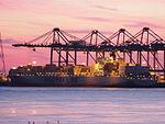 Maersk Kyrenia (ship, 2001) by night, Deurganckdok, Port of Antwerp, Belgium.JPG