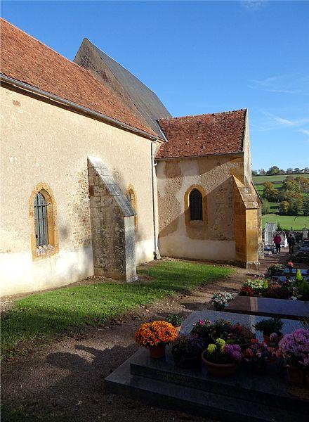 L'église de la Sainte Trinité, Magny-Lormes, Nièvre, France. (vue Sud/Sud-Ouest)