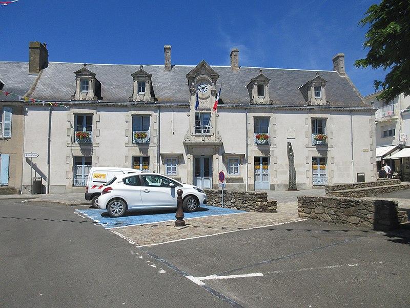 File:Mairie de Noirmoutier-en-l'Île.jpg