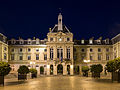 Mairie du 15e Arrondissement at night 140223 4.jpg