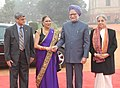 Manmohan Singh meeting the Prime Minister of the Republic of Trinidad and Tobago, Mrs. Kamla Persad-Bissessar, at her ceremonial reception, at Rashtrapati Bhavan.jpg