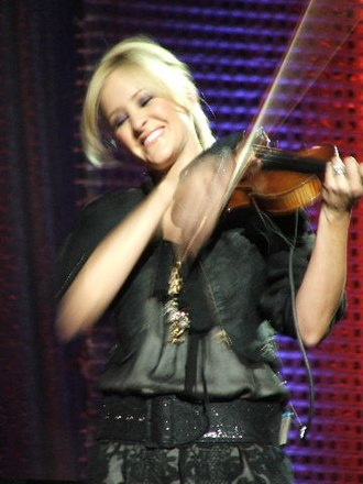 Martie Maguire - Martie Erwin with the Dixie Chicks in Austin, TX, 2006