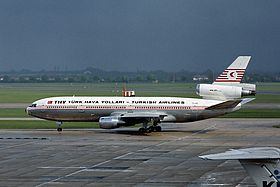 McDonnell Douglas DC-10-10, Turkish Airlines AN1815013.jpg