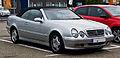 Mercedes-Benz CLK 200 Kompressor Cabriolet Elegance (A 208, Facelift) – Frontansicht, 1. Juni 2013, Ratingen.jpg