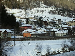 Commezzadura - winter view of the town