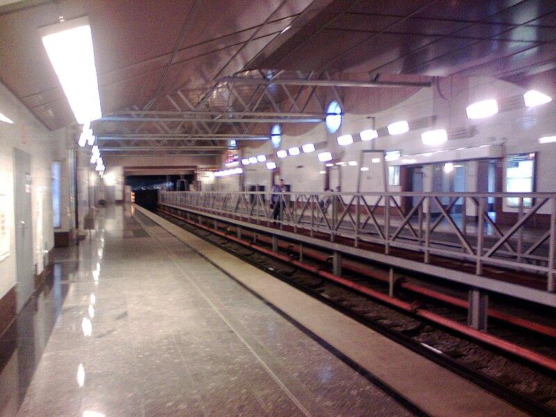 Парнас - Санкт-Петербург - станция метро.