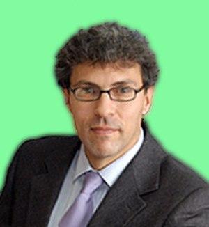 Miguel Alcubierre - Alcubierre in 2013.