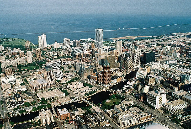 File:Milwaukeedowntown.jpg