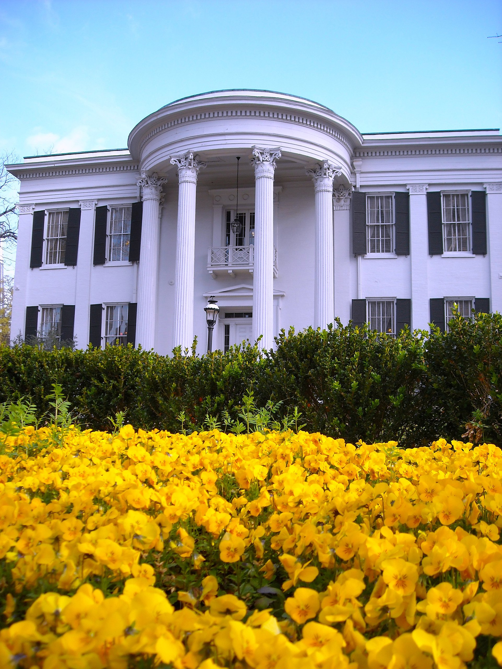 Mississippi S First Interracial Couple August 3 1970: Mississippi Governor's Mansion