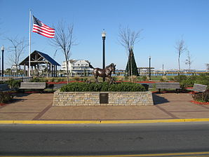 Misty of Chincoteague statue 01.jpg