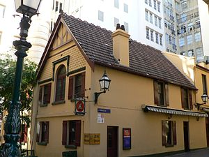 Lanes and arcades of Melbourne - Mitre Tavern and Mitre Lane