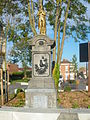 Monument aux morts d'Attiches.JPG