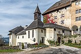 Moosburg Schloss 1 Schlosskapelle und Portal SO-Ansicht 23102018 5120.jpg