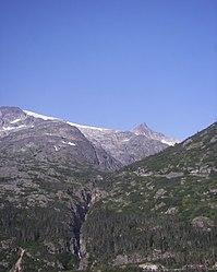 Mount Carmack from Klondike Highway, Alaska 2.jpg