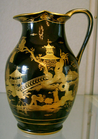 Chinoiserie - A Vienna porcelain jug, 1799, decorated to imitate another rare Chinese product, lacquerware