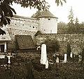 Námestie Štefana Moyzesa (egykor Mátyás tér), katolikus temető. Háttérben a vár bástyája. Fortepan 92178.jpg