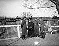 Narcyz Witczak-Witaczyński - Zofia Witczak-Witaczyńska, Narcyz Witczak-Witaczyński oraz nierozpoznane osoby (107-13-22).jpg