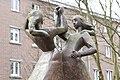 Naumannplatz (Hamburg-Dulsberg).Skulptur 'Tanzende Mädchen'.4.30933.ajb.jpg
