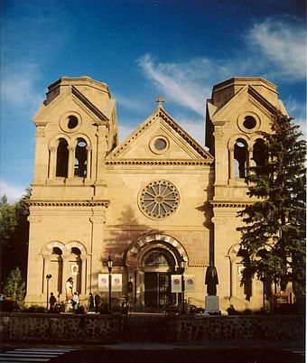 Cathedral Basilica of Saint Francis of Assisi, built in 1869, pictured in 2004 NewMexicoCathedralSantaFe.jpg