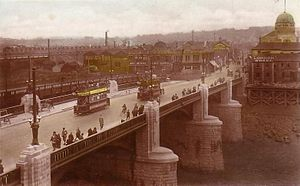 Newport Bridge, Newport - Newport Bridge shortly after opening. Note the temporary bridge to the left and Newport Technical Institute to the right